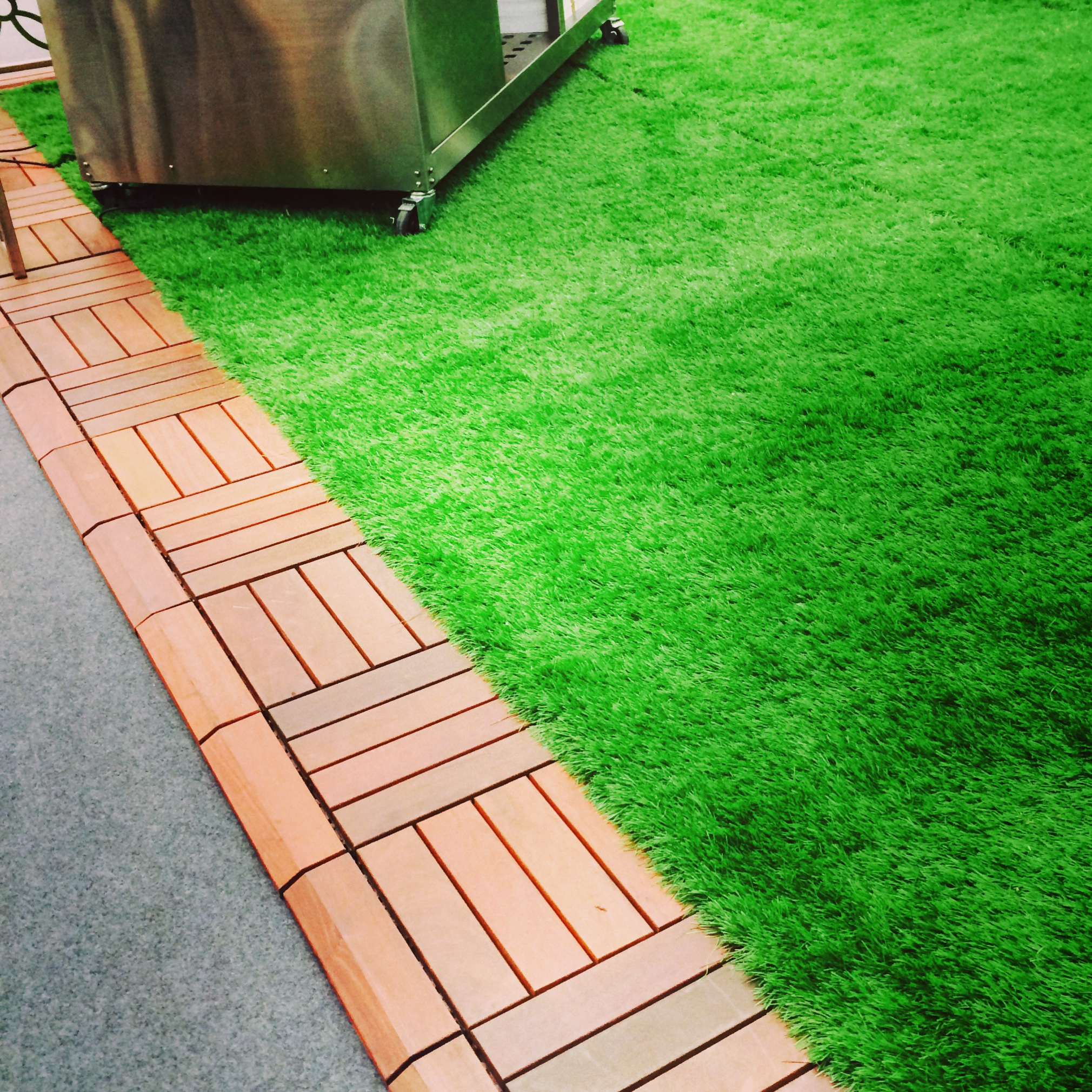 and lastly, i was very inspired by this AstroTurf. so inspired there is a 6x10 strip of it coming to my apartment very soon.