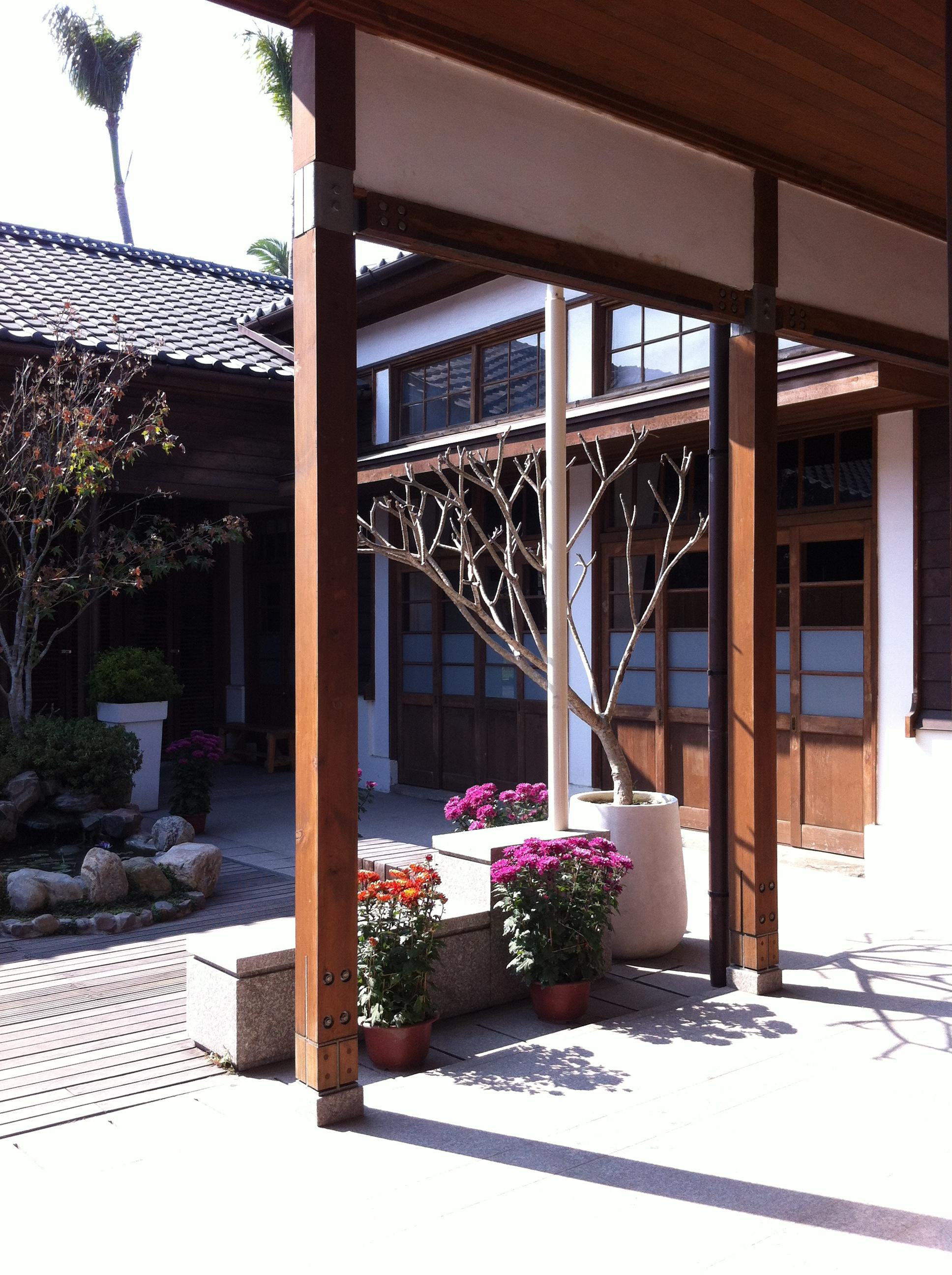 a quiet courtyard, taichung.
