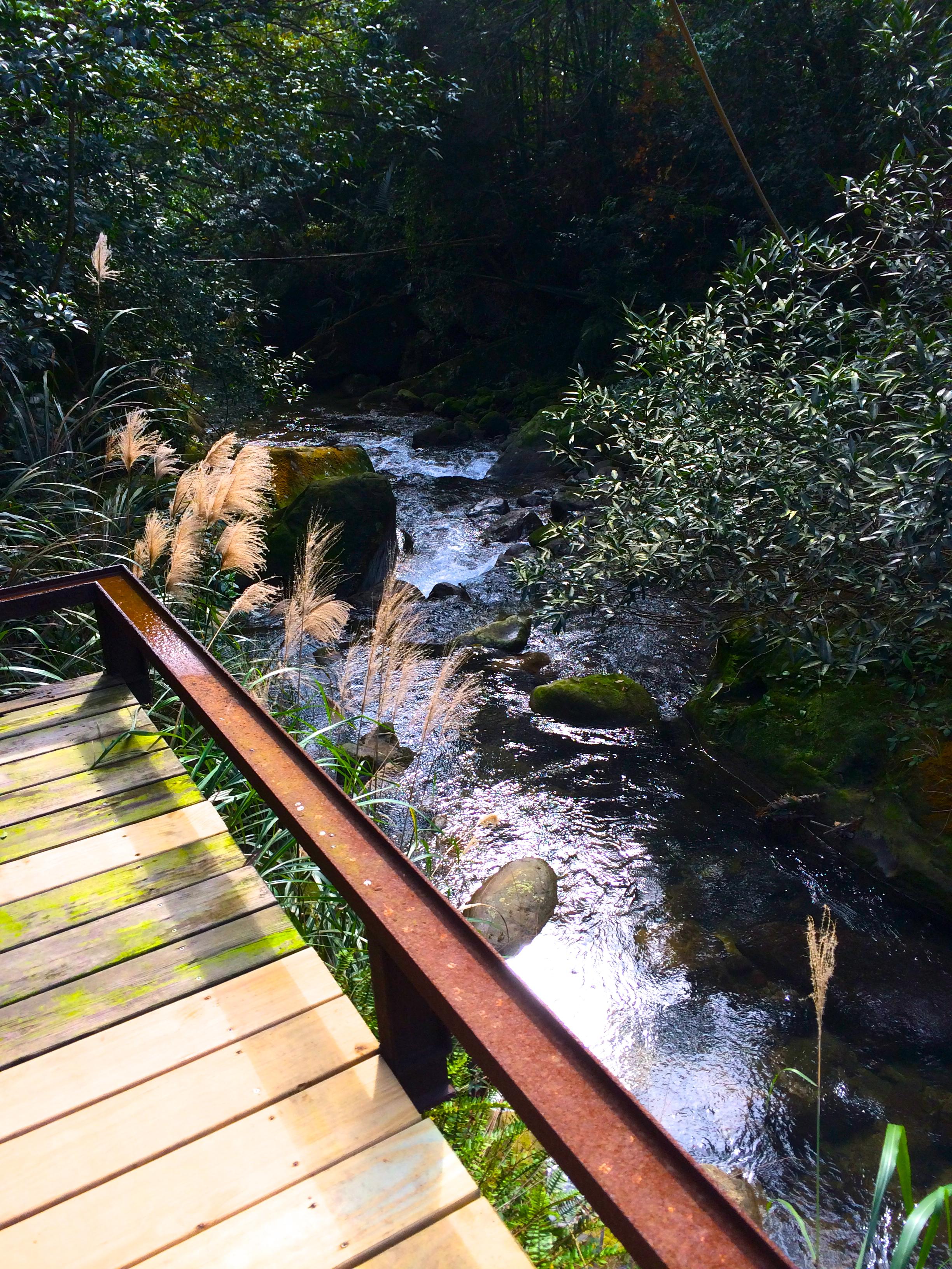 shiyang-tea-house-brook