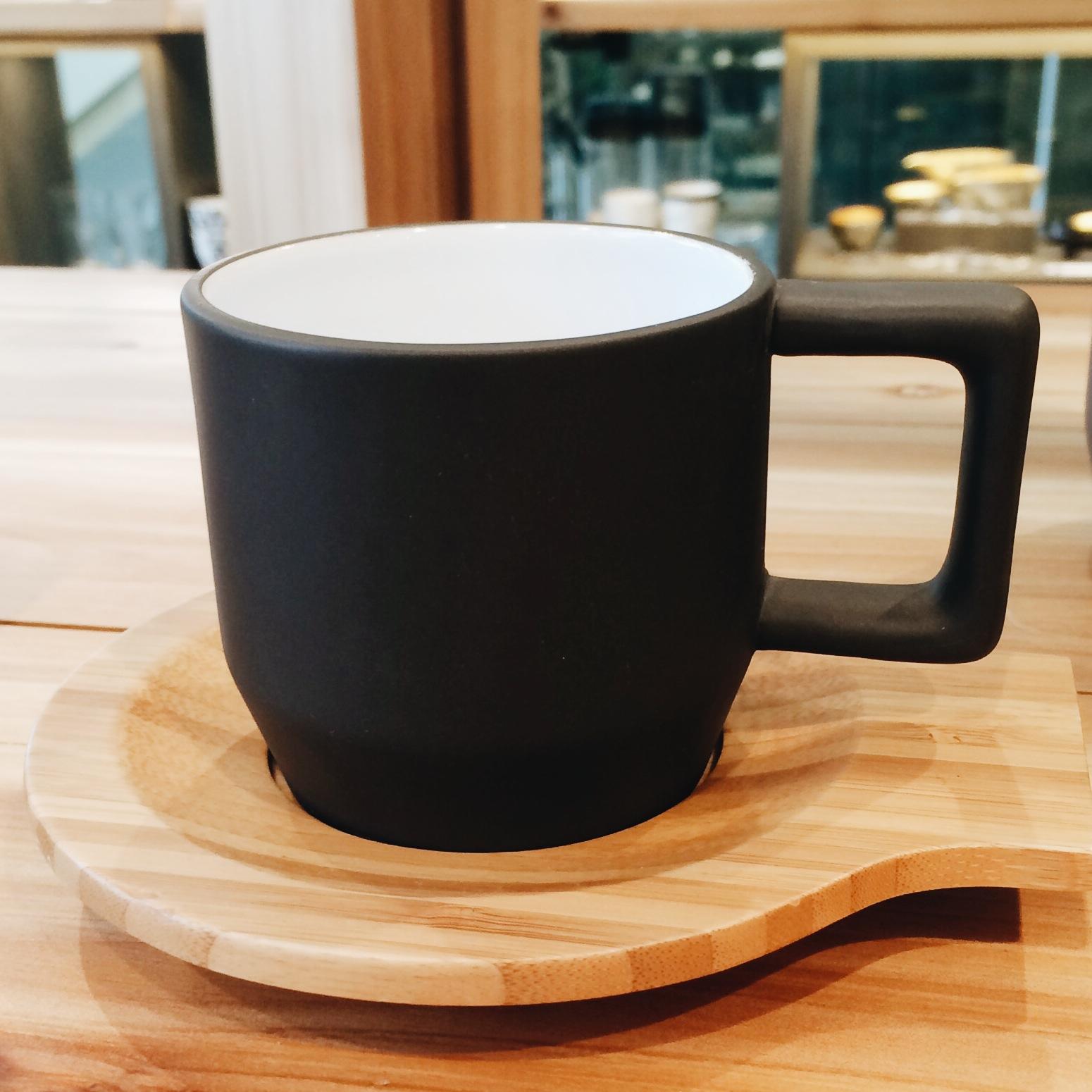 matching cappucino mugs.