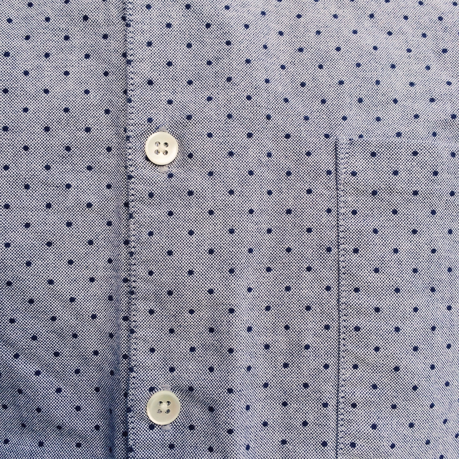 these polka-dots, on hhh's shirt.