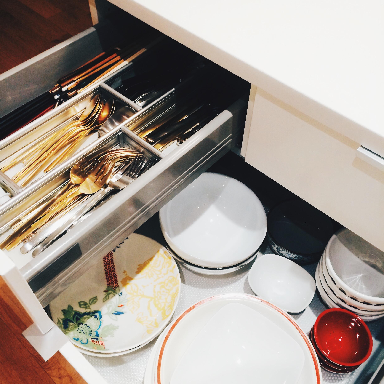carroll-street-kitchen-dishes