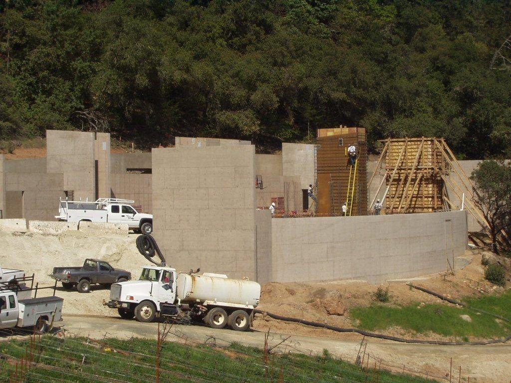 Hillside foundation at Cade Winery by SLF Concrete
