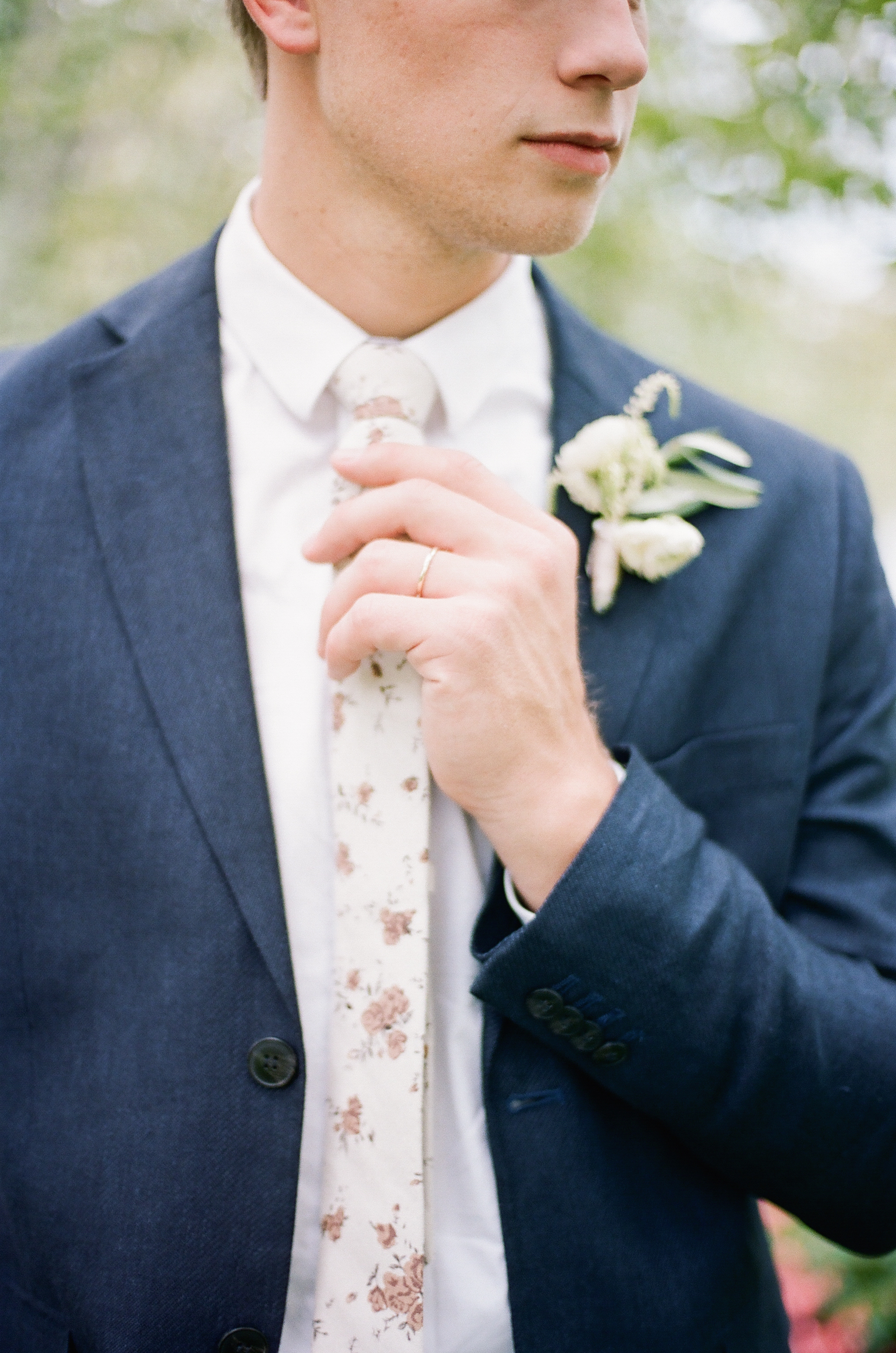 Wynona Benson Photography - Jaleisa & Logan Romantic Elegant Utah Wedding00044.jpg