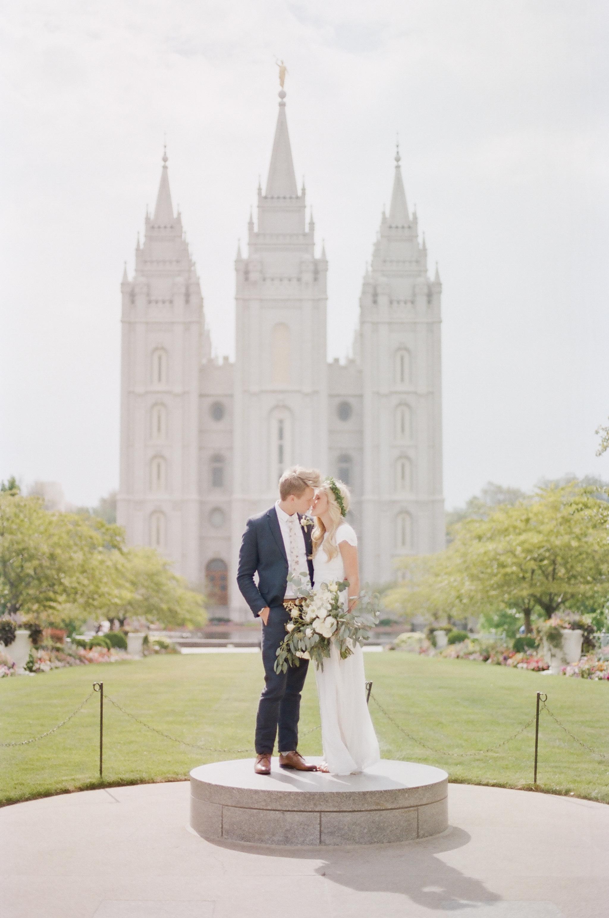 Wynona Benson Photography - Jaleisa & Logan Romantic Elegant Utah Wedding00053.jpg