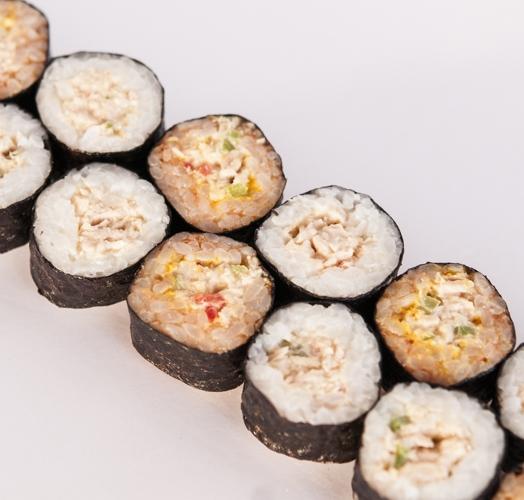 MAKI CARRY - rillette de thon au combava & riz / sauce carry