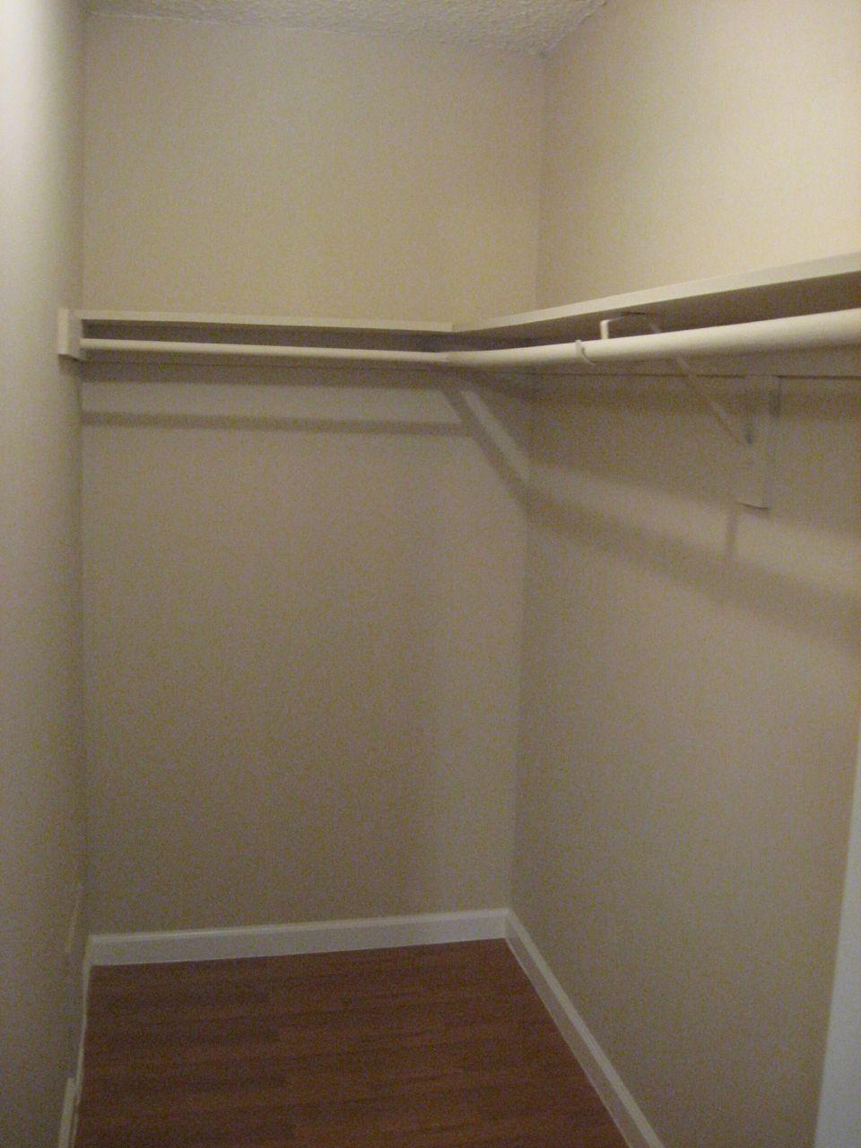 Walk in closet.jpg