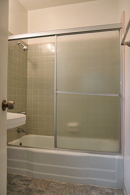 Del Valle - Bathroom.jpg