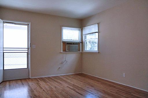 Del Valle - Living Room.jpg