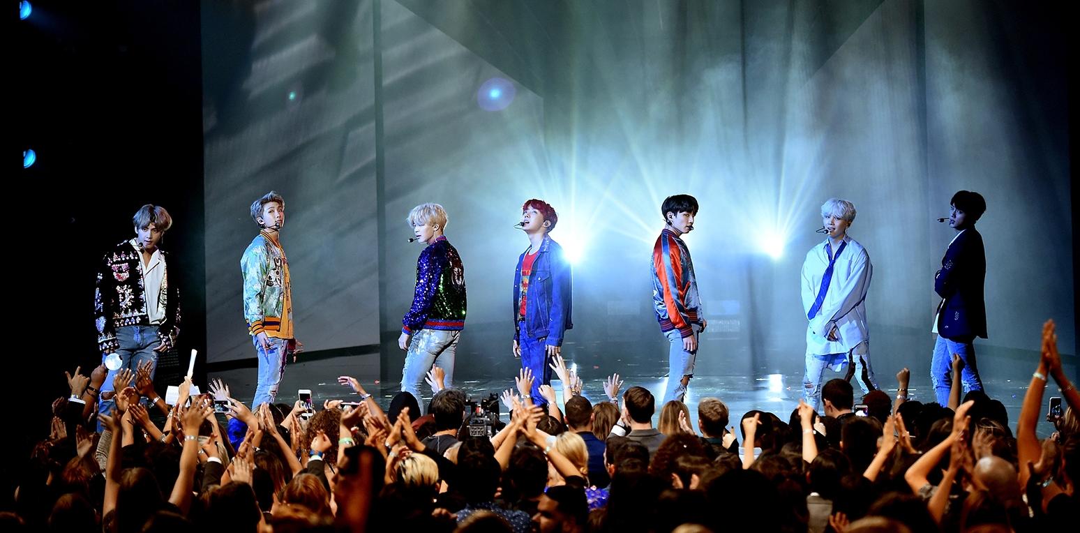 03-BTS-amas-show-2017-billboard-1548.jpg