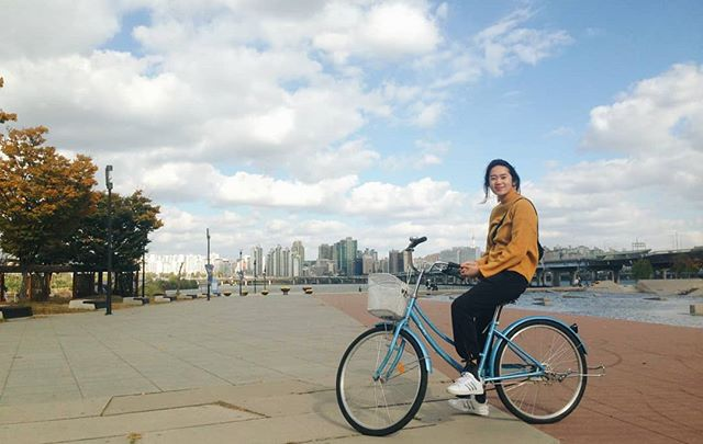 A clear and breezy fall day biking along the Han River. Up and down the Han River in Seoul there are long parks that hug the edges where you can bike for miles. It's so so lovely. Rent a bike for under $3 an hour and go on your merry way.