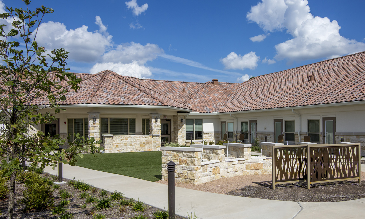 Pi Architects Skilled Nursing The Medical Resort at Willowbrook Courtyard.jpg