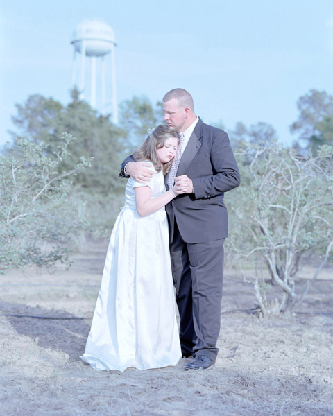 David MAGNUSSON  Erin Hope Smallwood, 13 years & Jay Smallwood. Haughton, Louisiana,  2011 Archival pigment print 30 x 24 inches  Edition of 7