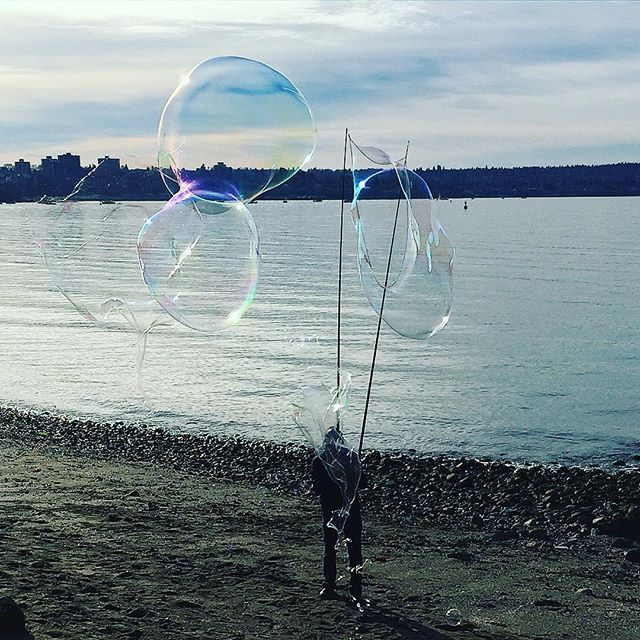Bubble man was at English Bay today #vancouver #yvr #beach #englishbay
