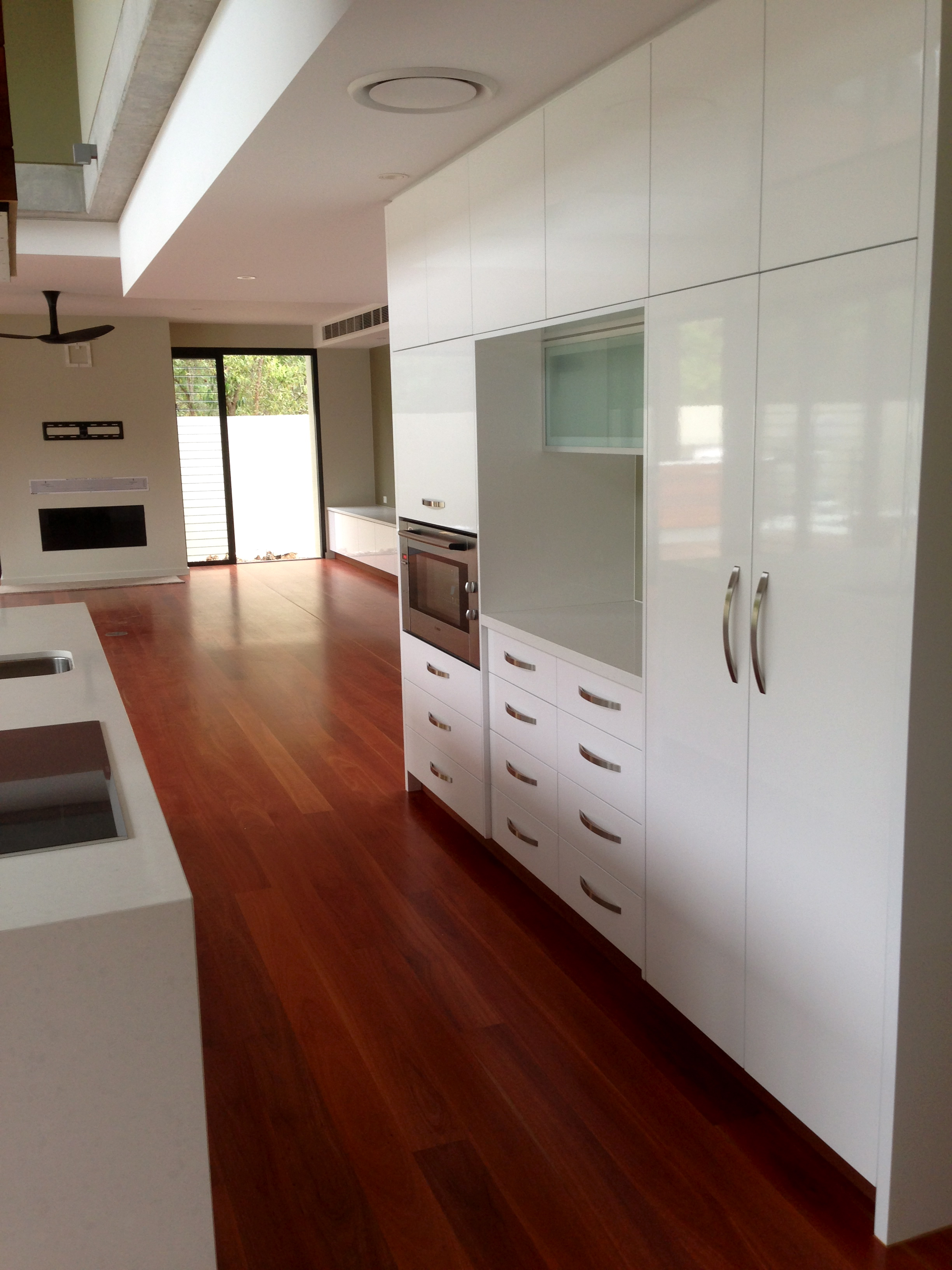 Centre Kitchen 1.jpg