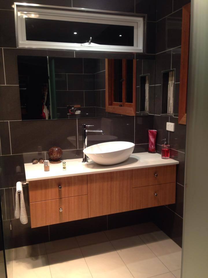 Black+Bathroom+1.jpg