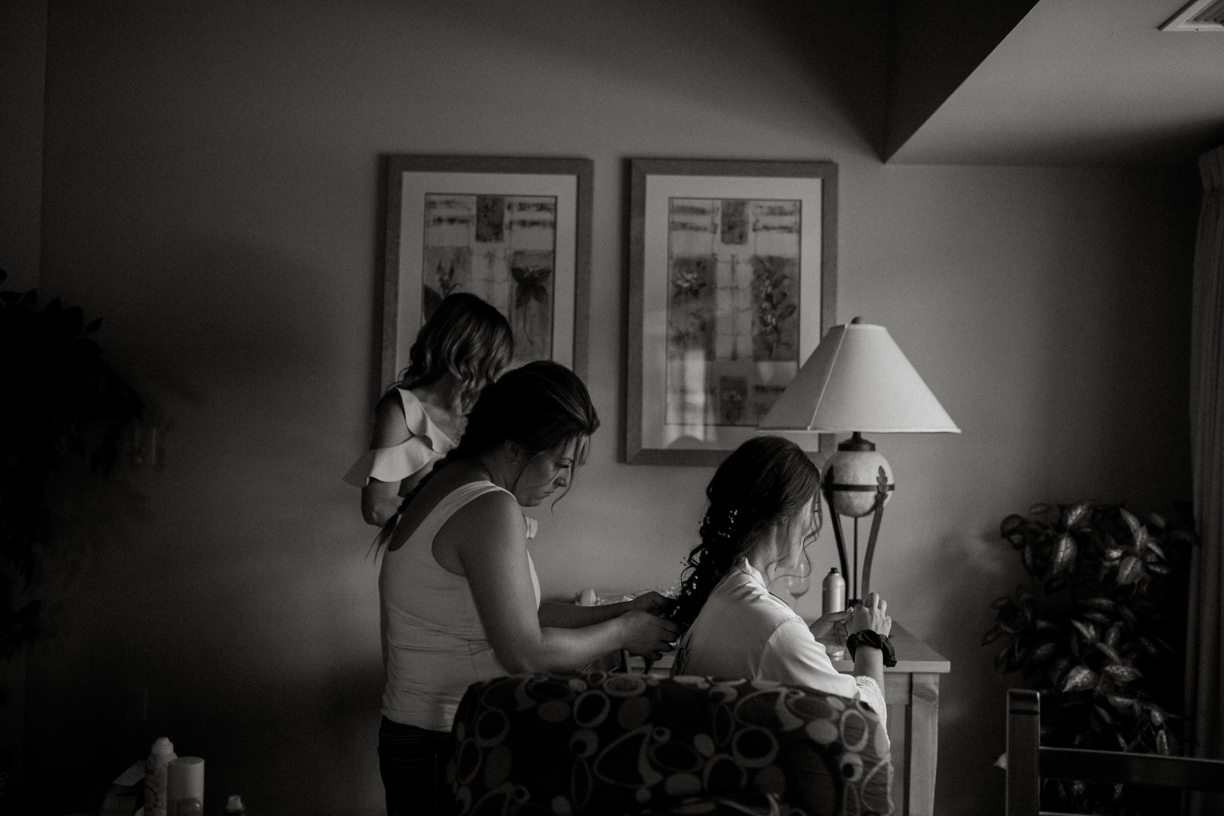 Dane + Jessica 1 - Getting Ready BW-79.jpg