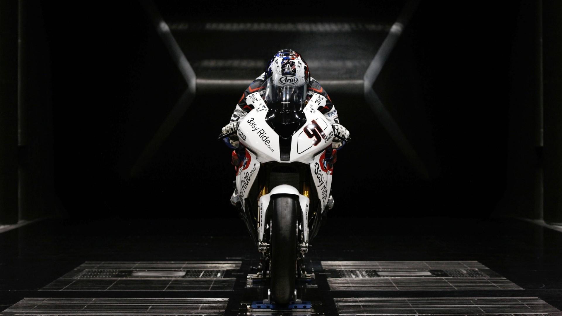 BMW-Sportbike-1080x1920.jpg