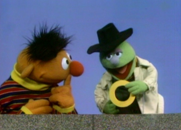 Sesame Street: Would You Like to Buy An O?