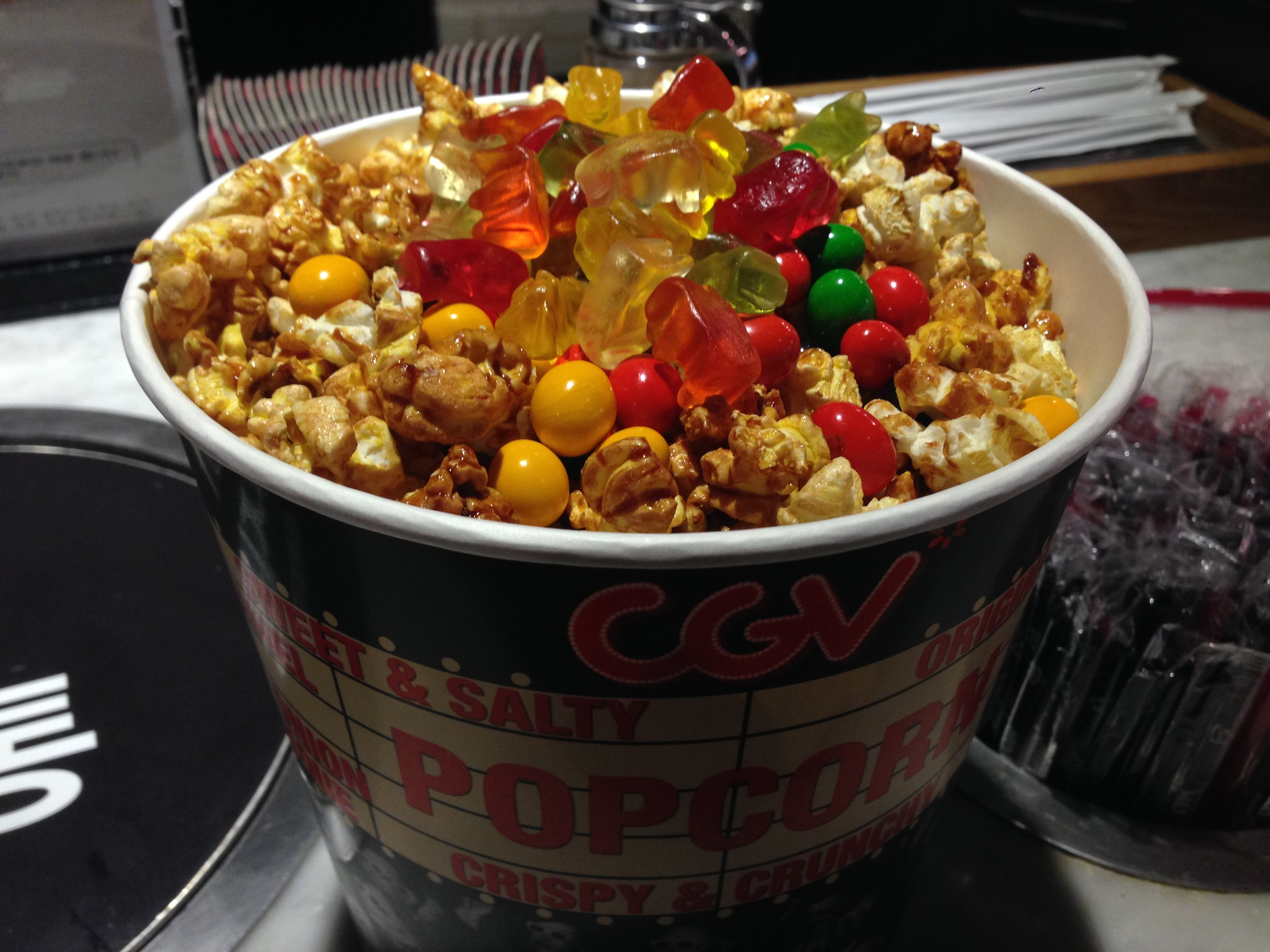 Caramel Popcorn with toppings