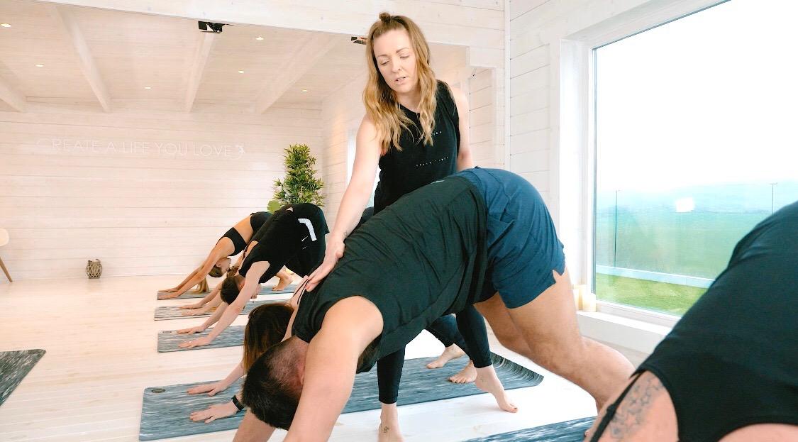 Aine - Yoga