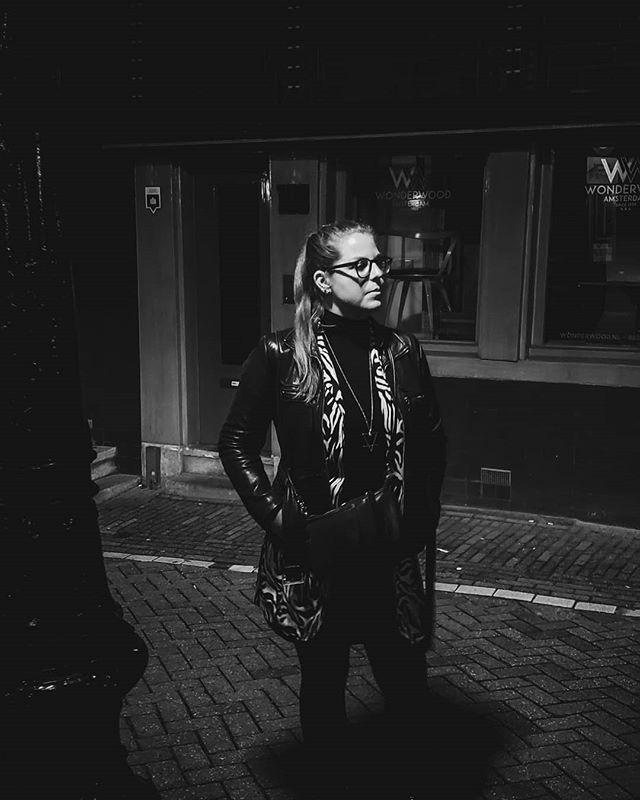 Finding your light 🖤 _ _ _ _ _ 🖍️/ 📸 by @stephsimorka #creative #artwork #creation #artphotography #artistsoninstagram #art #blackandwhite #artdirector #canon #sigma30mmart #samsung #momentlenstele #momentlens #photography #graphicdesign #design #pixelandlens #pantoneproject #Amsterdam #netherlands @mellowjess
