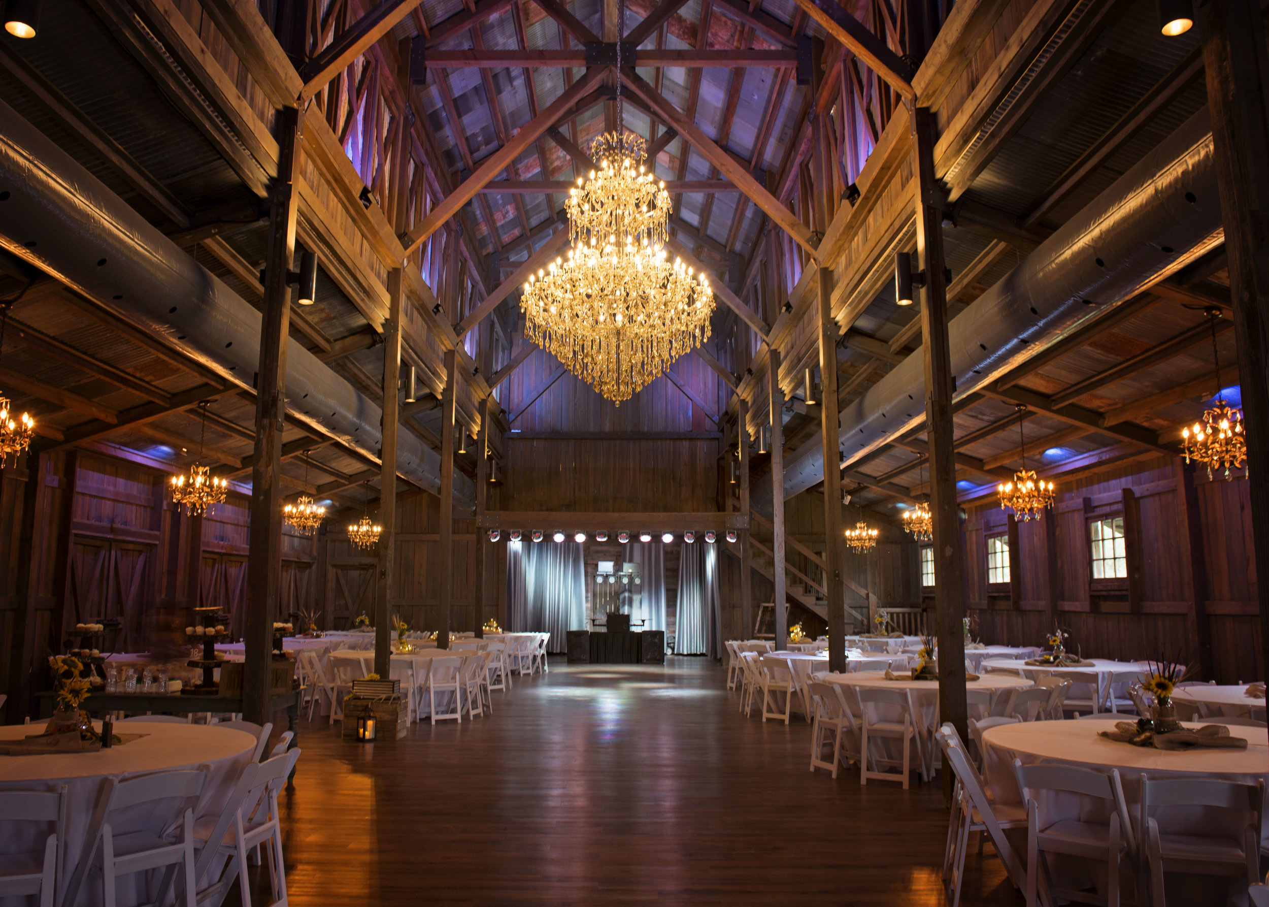 eagle dancer ranch wedding barn.jpg