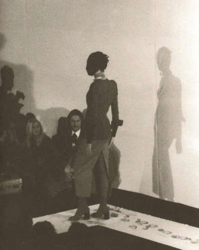 Maison Martin Margiela - S-S 1989 Women's show - Photo Raf Coolen.jpg