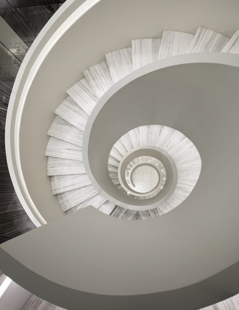 Barneys-New-York-Downtown-Flagship_Staircase_Photograph-by-Scott-Frances-791x1024.jpg
