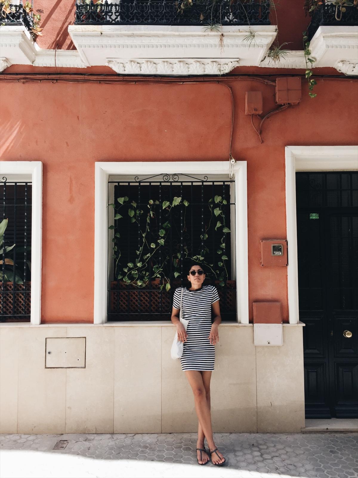 7c2c9-seesoomuch_minimalist_travel_wardrobe_packingseesoomuch_minimalist_travel_wardrobe_packing.jpg