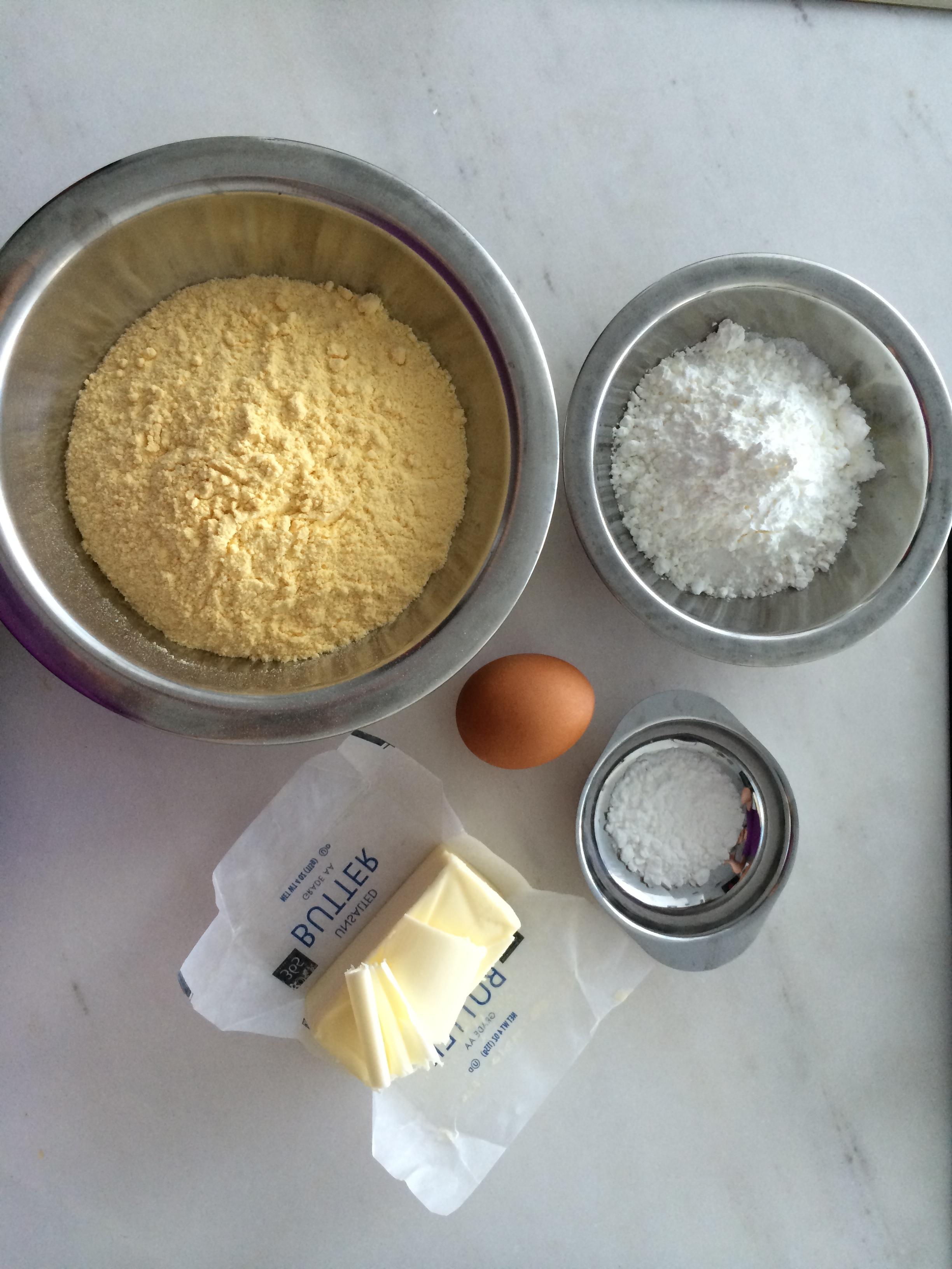 Ingredientes já pesados e separados para começar a receita. Um passo muito importante para que toda receita, por mais simples que seja, dê certo!