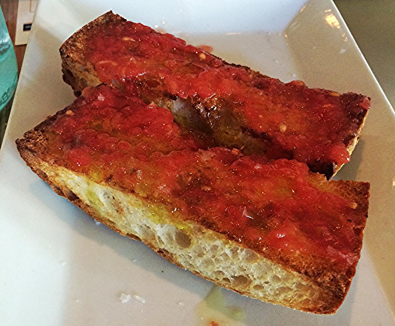 Pan con tomate : simples e delicioso.