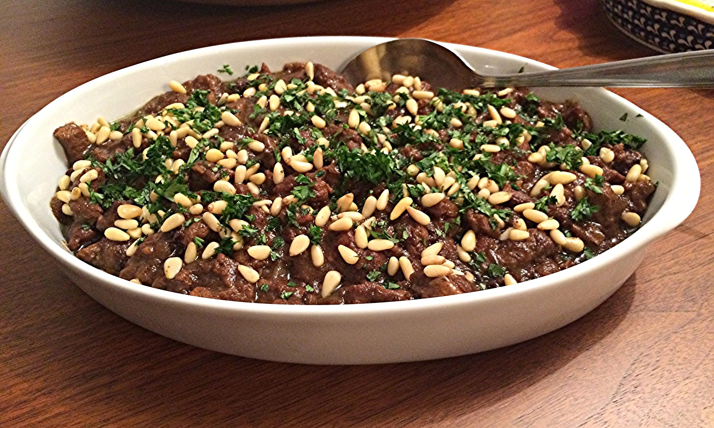 Ficou ótimo como recheio de pão pita, mas também fica excelente com cuscuz marroquino neutro ou arroz branco.