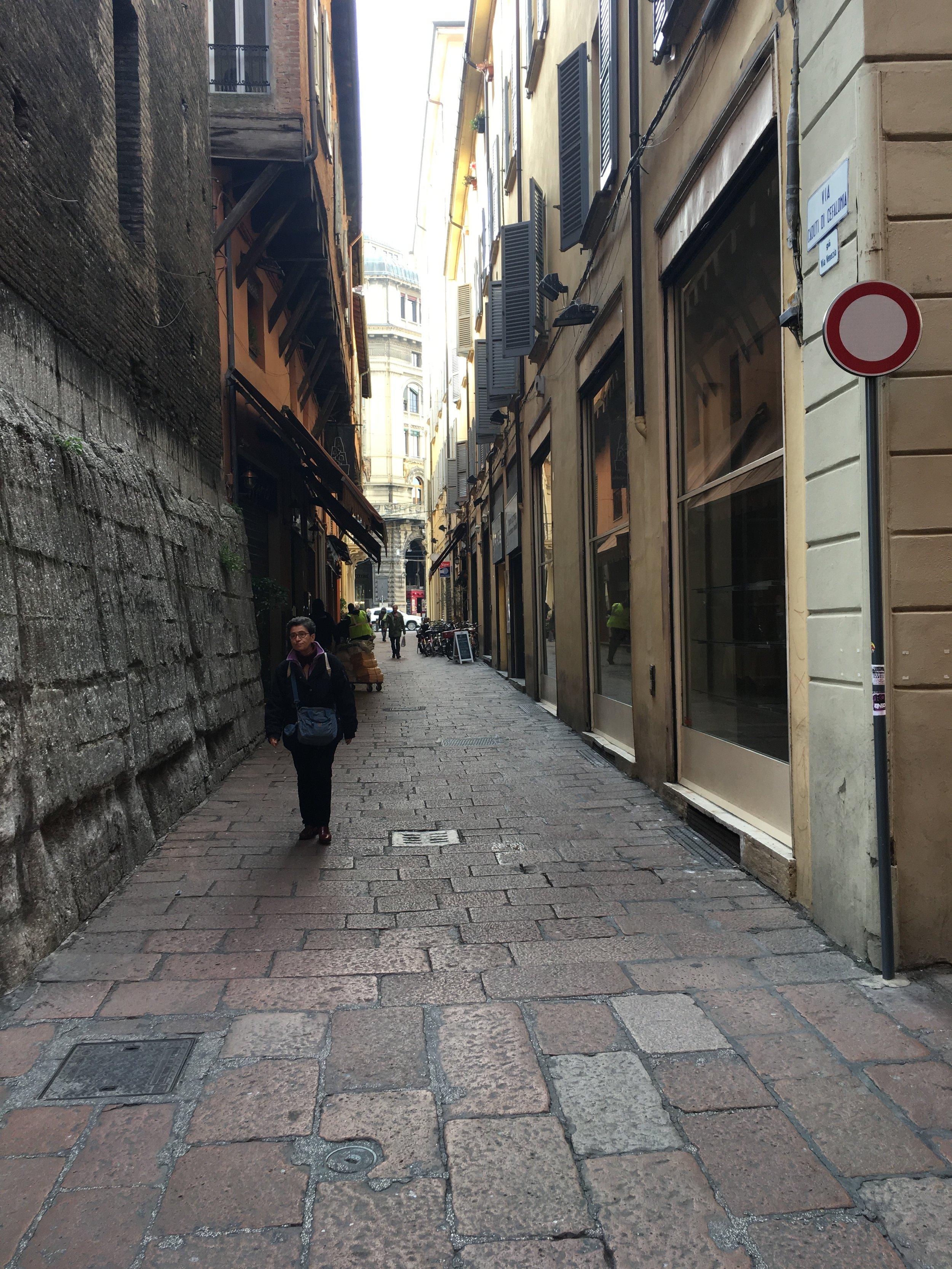 A cada esquina, uma ruazinha te convida a desvendar um novo mundo. Ah, o que eu não faria com um mês pra percorrer esta cidade...