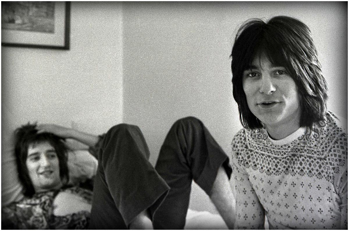 Rod Steward and Ron Wood, Cambridge Hotel in 1968.
