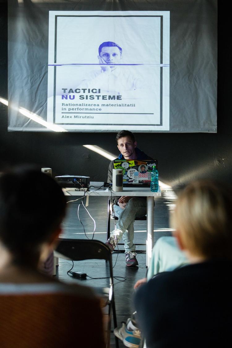 Linia-de-productie-Alex+Mirutziu-lecture-tactici-nu-sisteme+(1).jpg