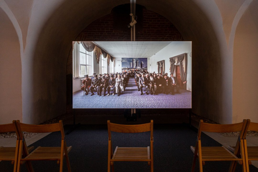 Aslan Gaisumov, People of No Consequence, 2016, video still, exhibition view, Maria Therezia Bastion, Art Encounters 2019, courtesy of the artist, photo credit: Adrian Câtu