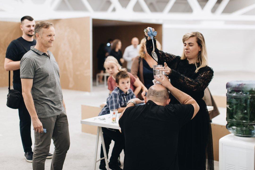 Virginia Lupu – Molibdomanție – performance, Kunsthalle Bega 2019