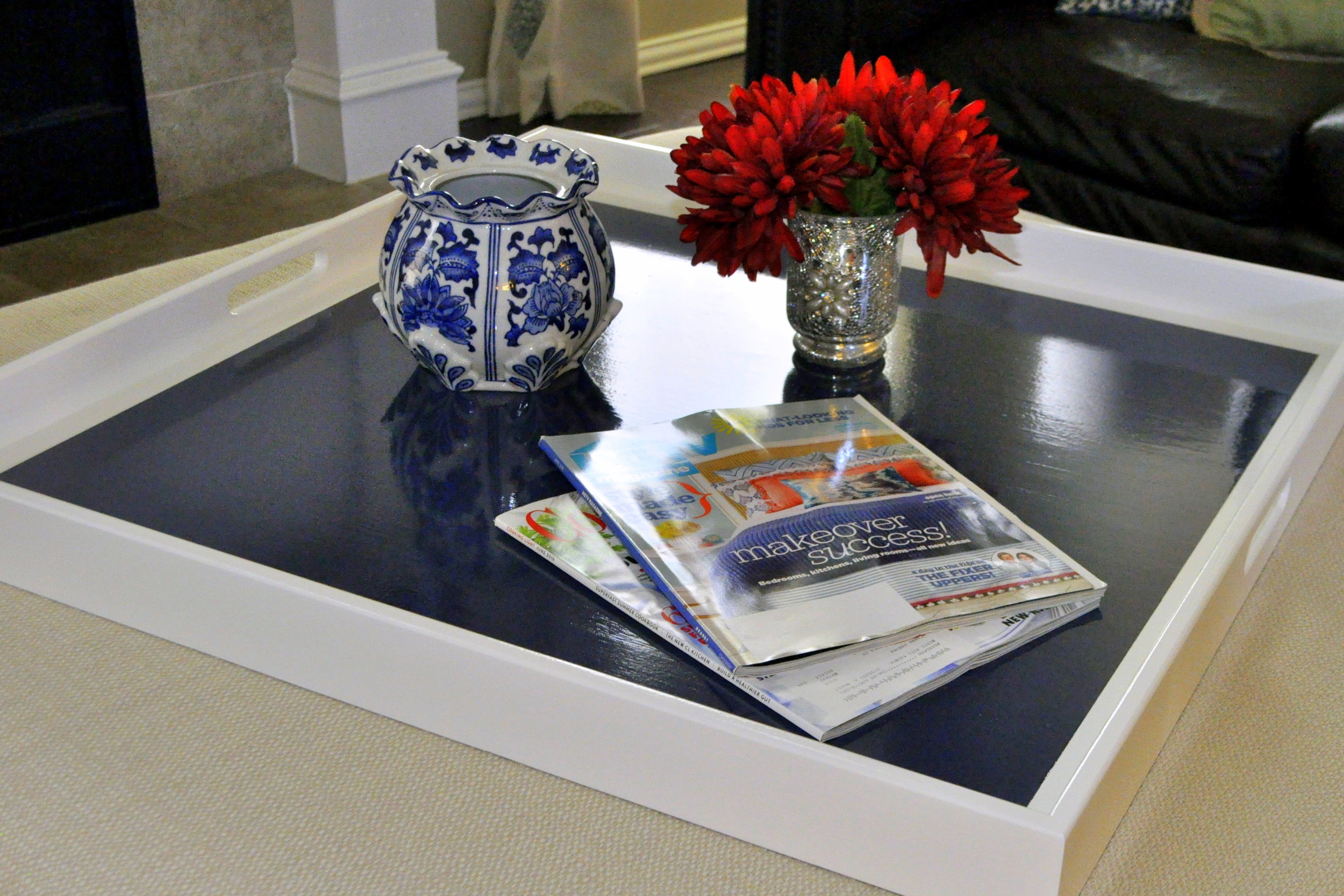 White with Navy Inset Square Tray