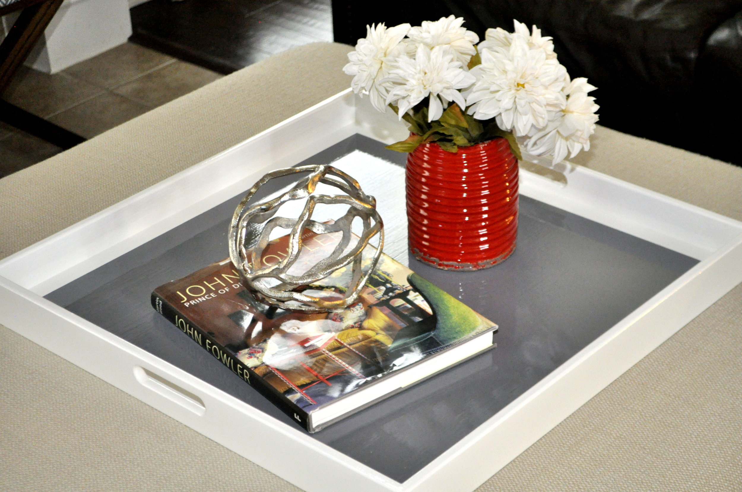 White and Gray Square Tray