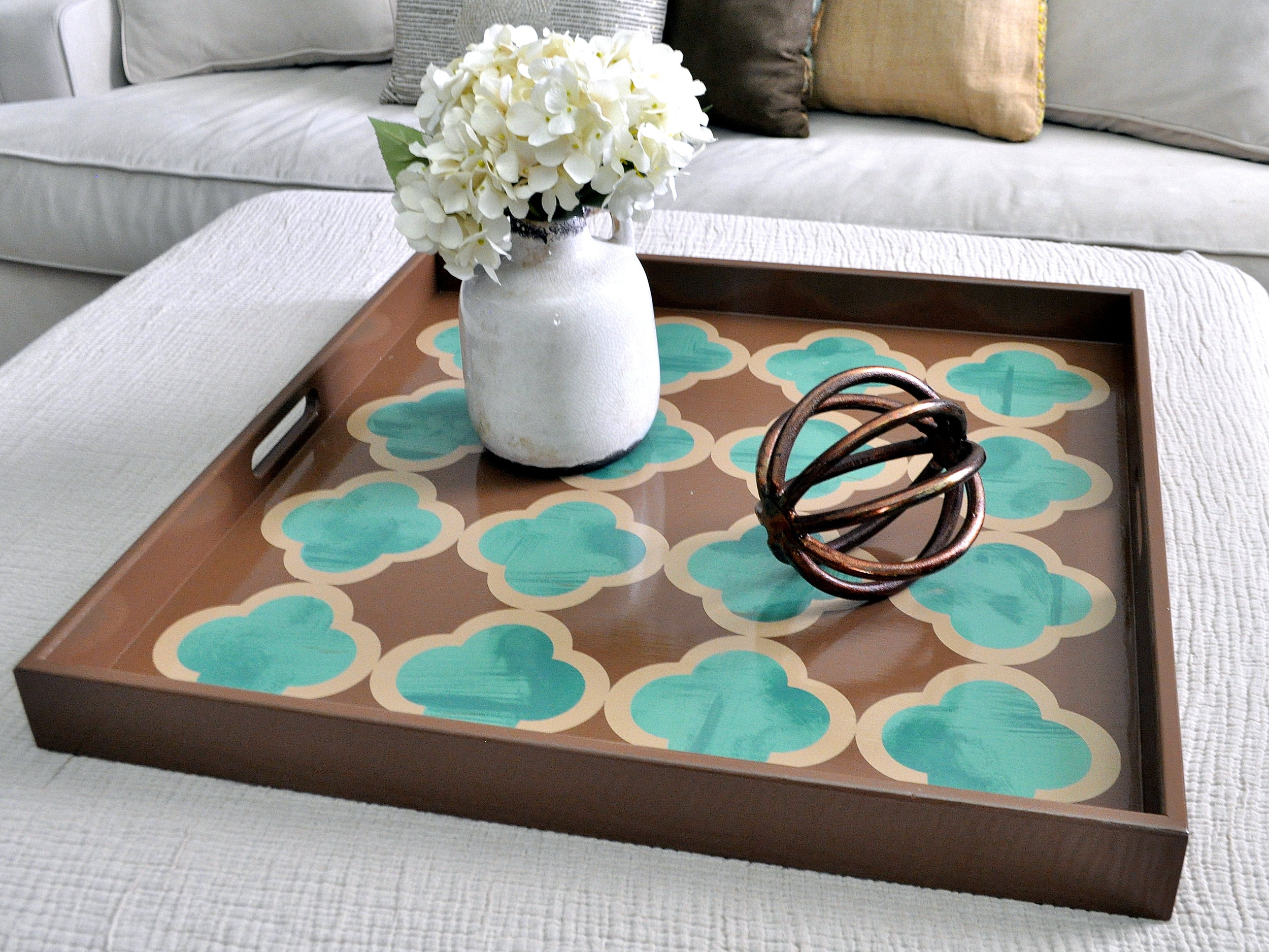 Brown and Green Quatrefoil