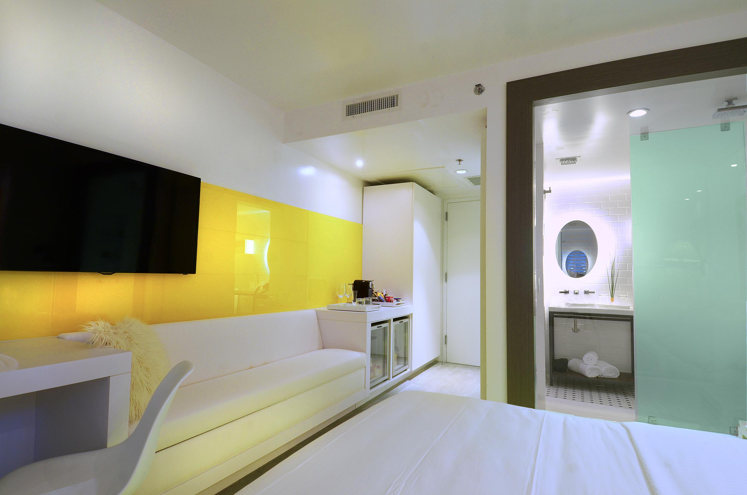Room_1729.jpg