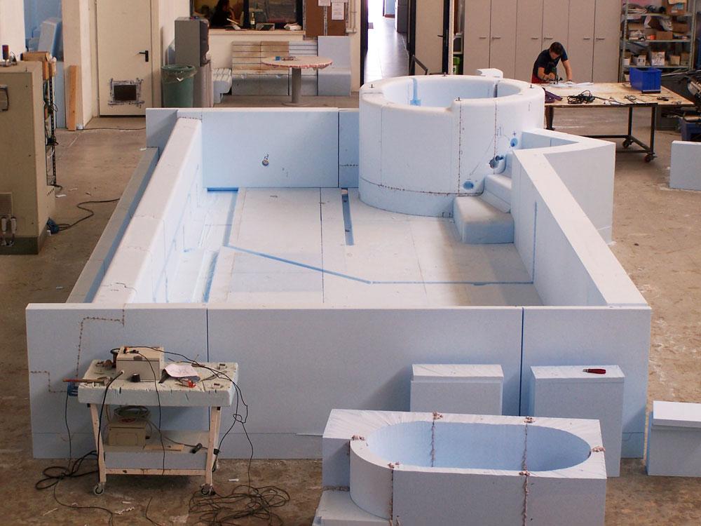 Produzione piscina prefabbricata in EPS