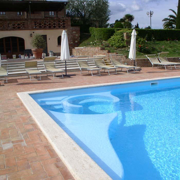Esempio di ristrutturazione di una vecchia piscina con strutture in EPS AE - POLISTIROLO ESPANSO PREFROMATI ITALIA