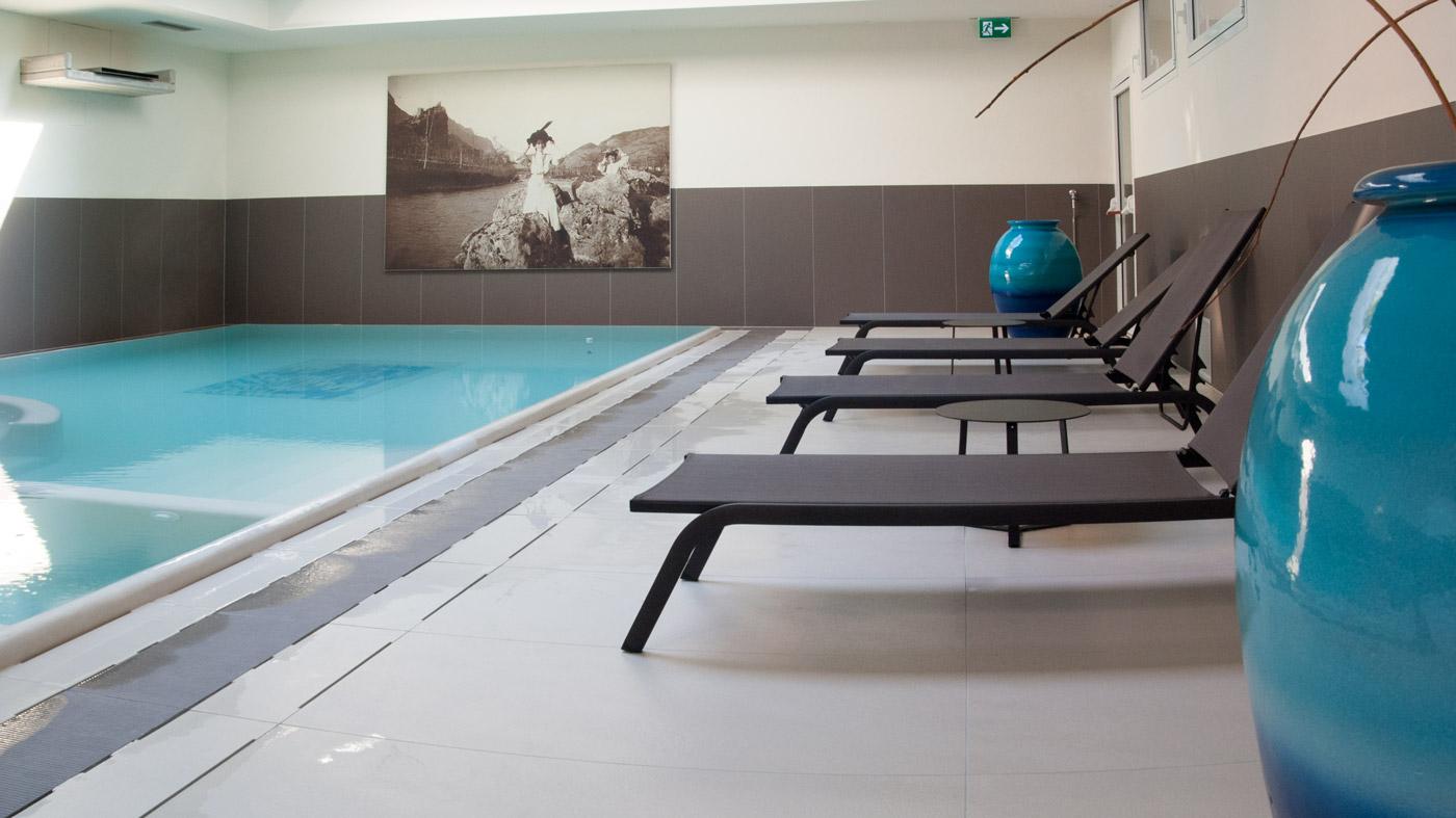 Ristrutturazione piscina moderna