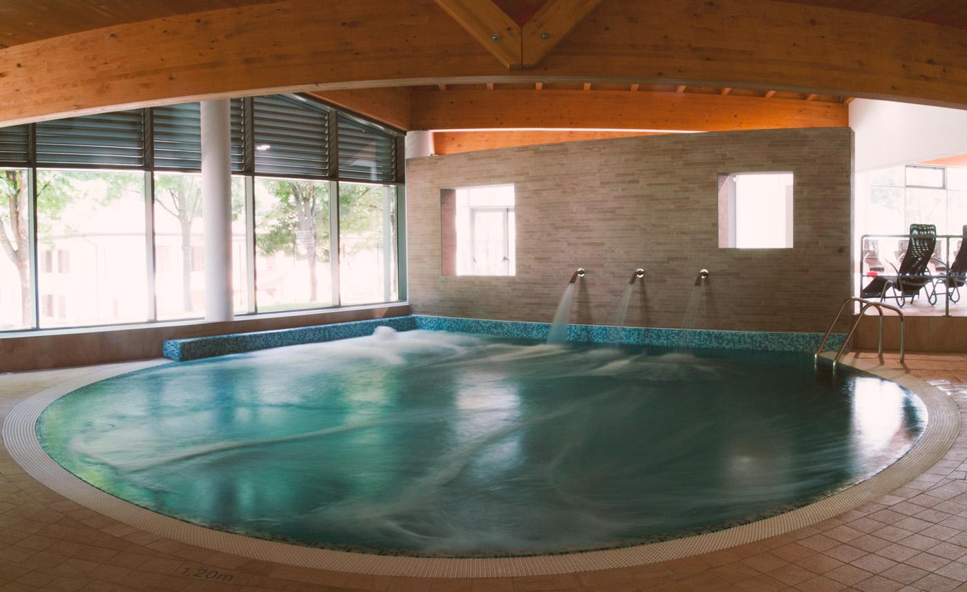 Suggestiva piscina