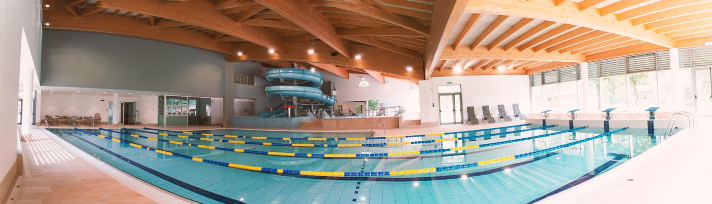 Panoramica di una piscina in EPS