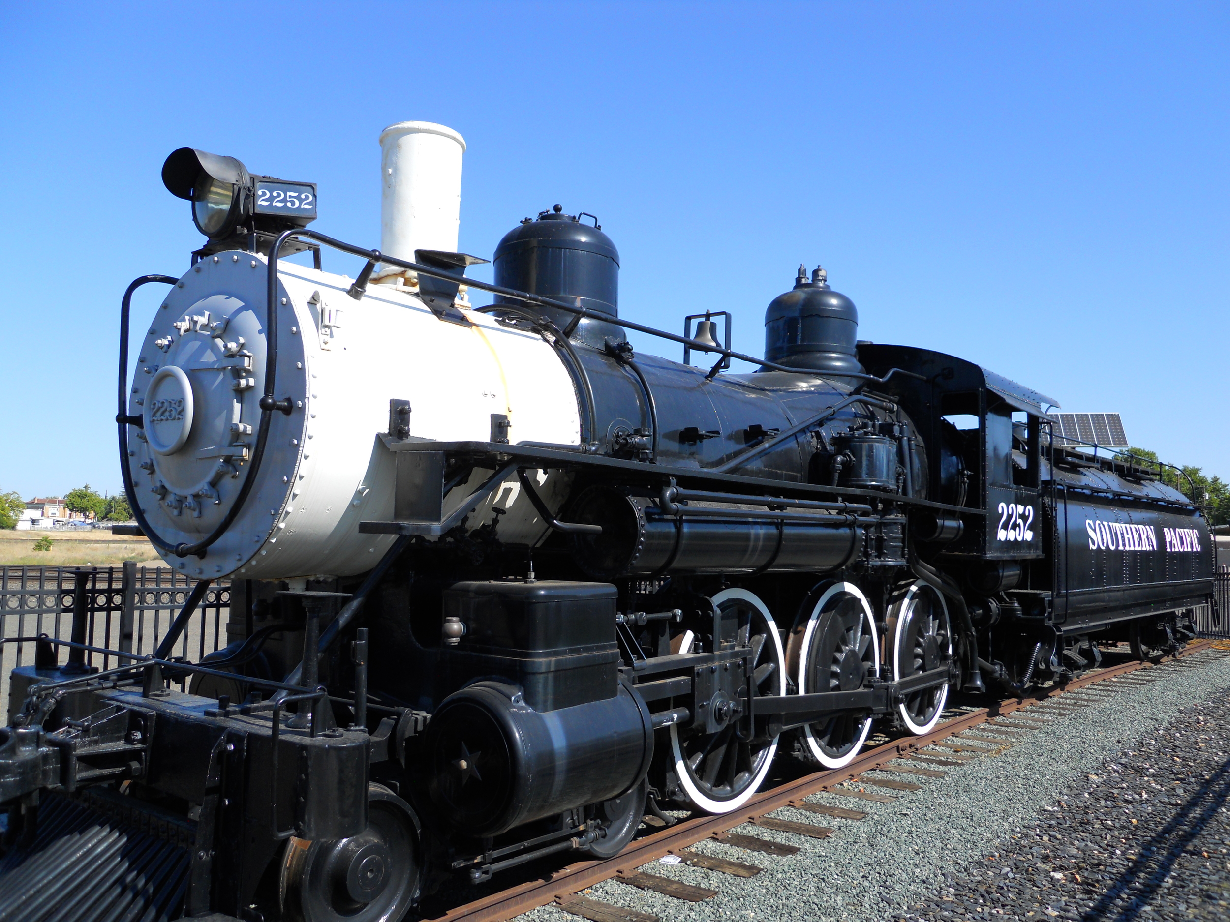 IN 2004, THE 70 TON STEAM ENGINE WAS MOVED FROM PLACER COUNTY FAIRGROUNDS TO THE PERMANENT DISPLAY SITE ALONG ATLANTIC STREET.