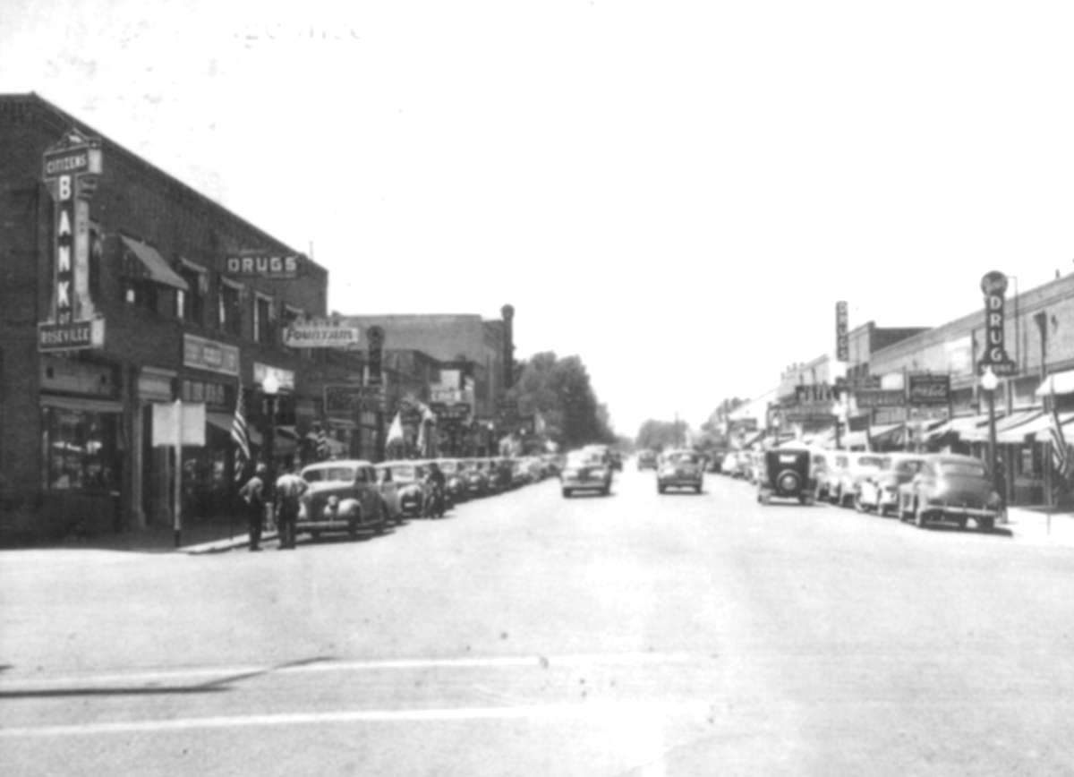 Vernon Street looking west from Lincoln Street circa 1940's.