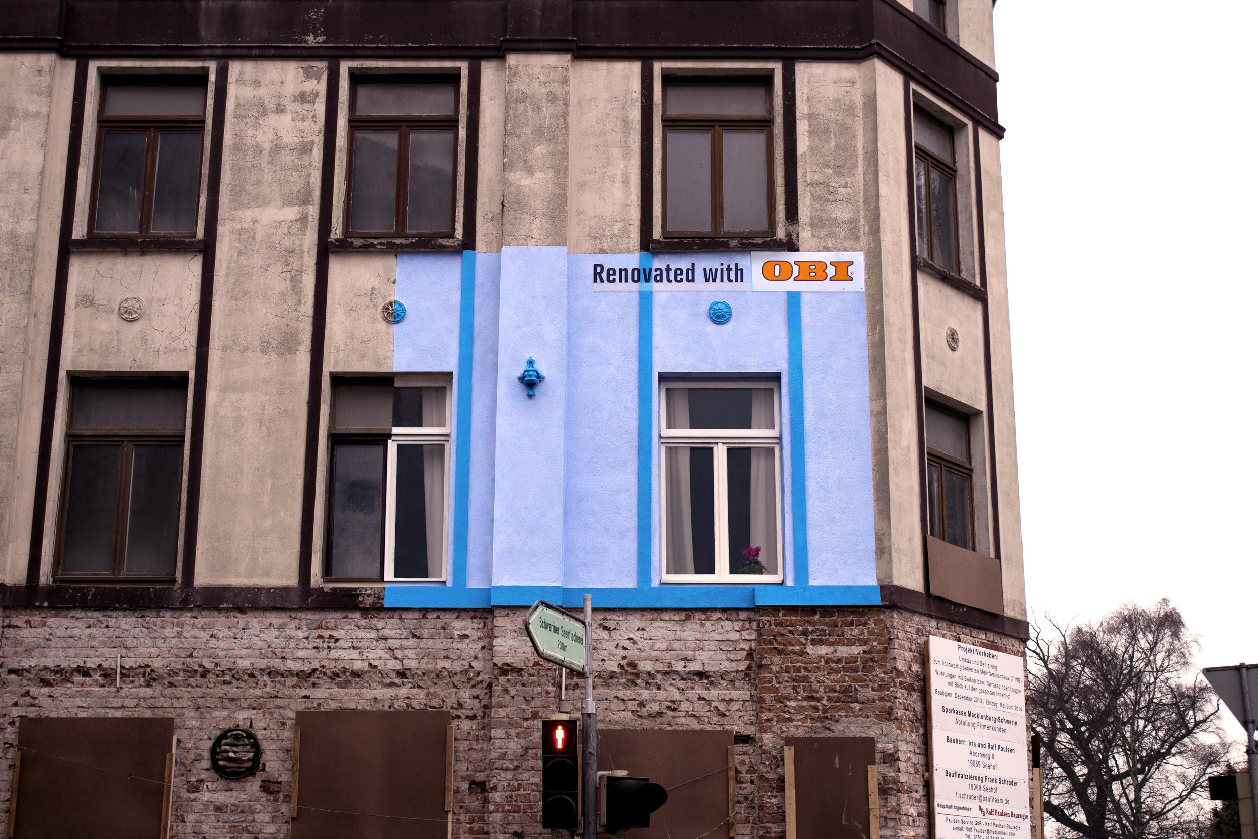 ENGL_OBI_Haus_03_blau.jpg